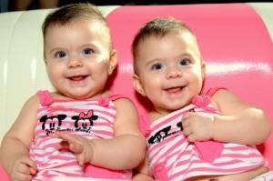Retro Kinderwagen für Zwillinge